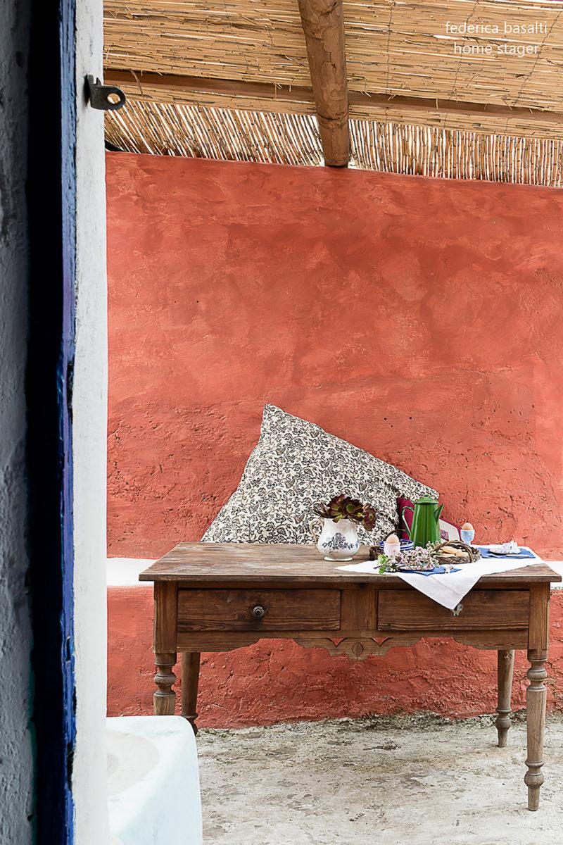 Particolare console casa vacanza Alicudi - home stager