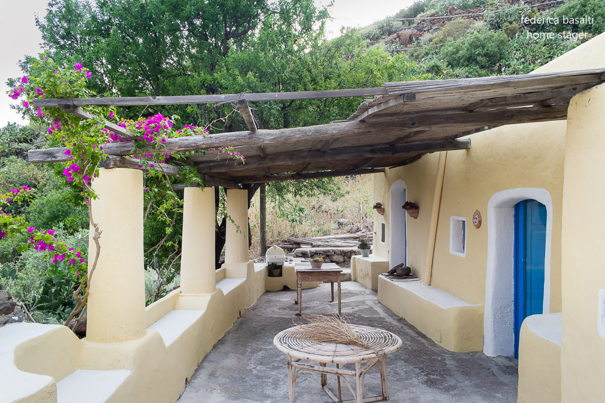 Portio esterno di casa vacanze Alicudi