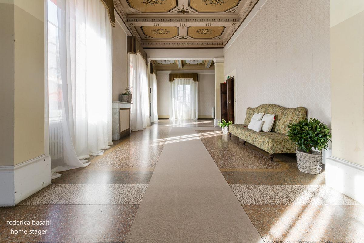 Home Staging - Foto frontale corridoio - Casa di Prestigio