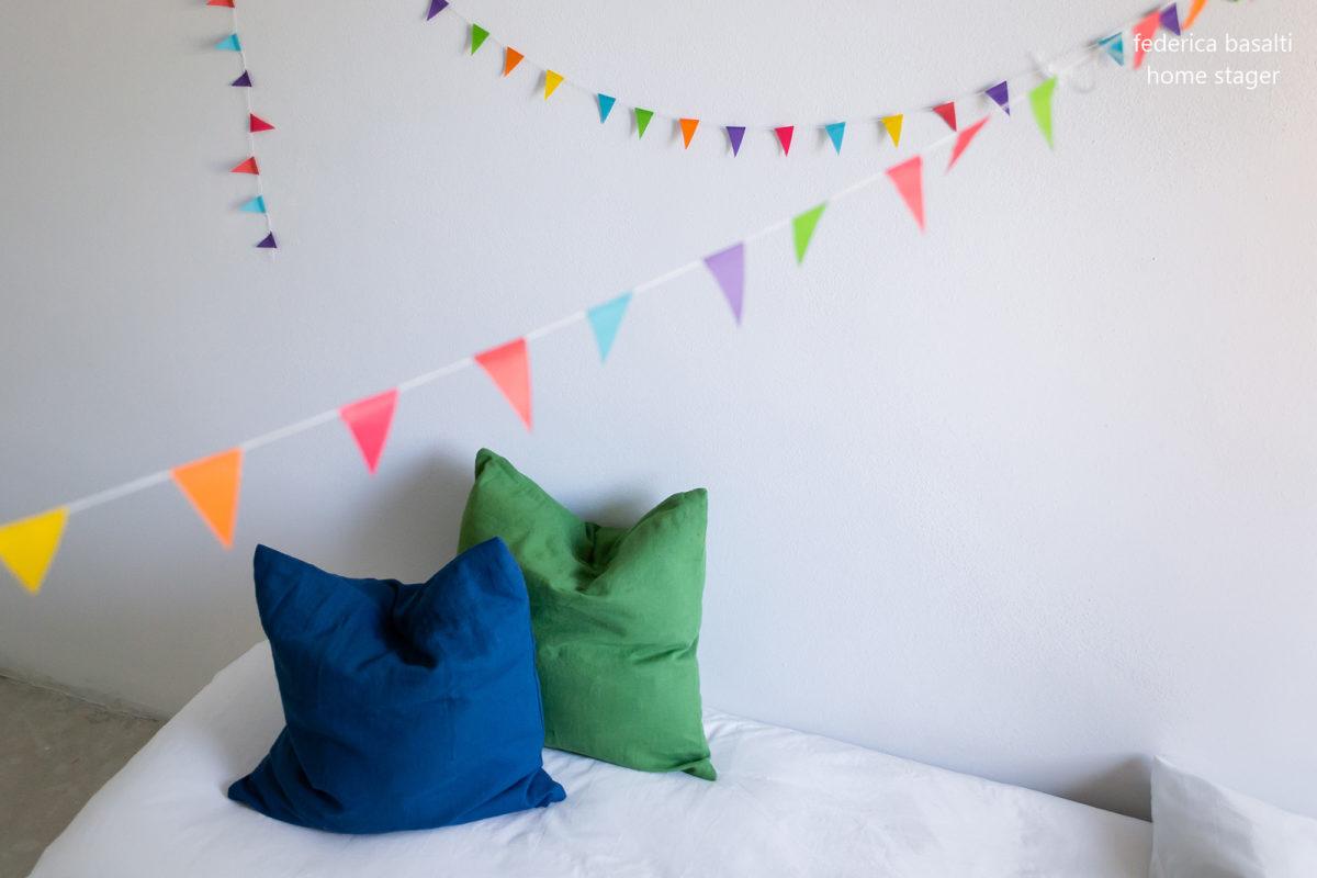 Home staging - Particolare letto camera bimbo