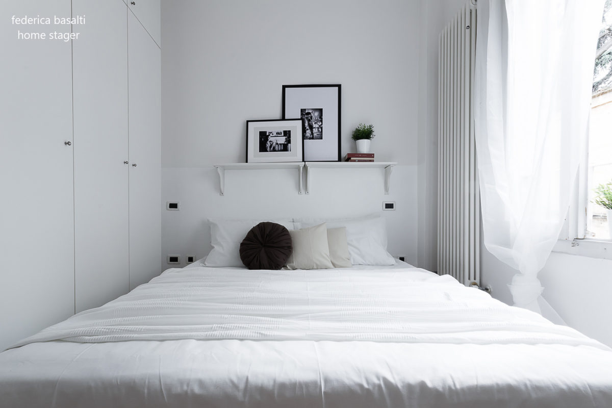 foto frontale camera da letto home staging