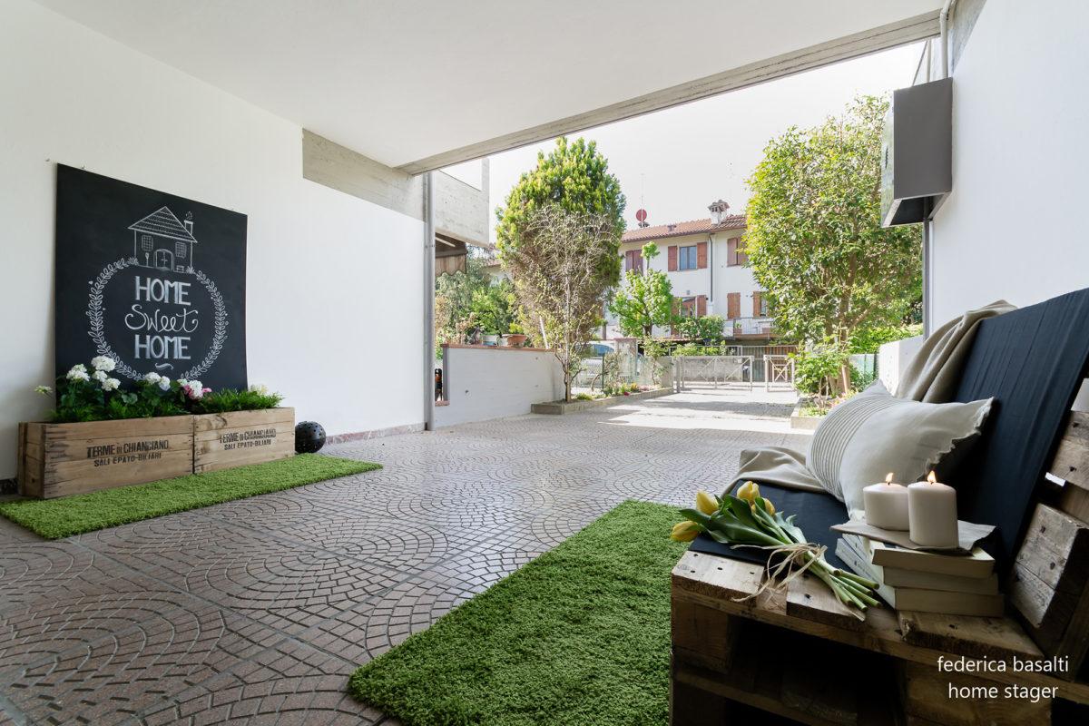Esterno Casa vuota - particolari di home staging