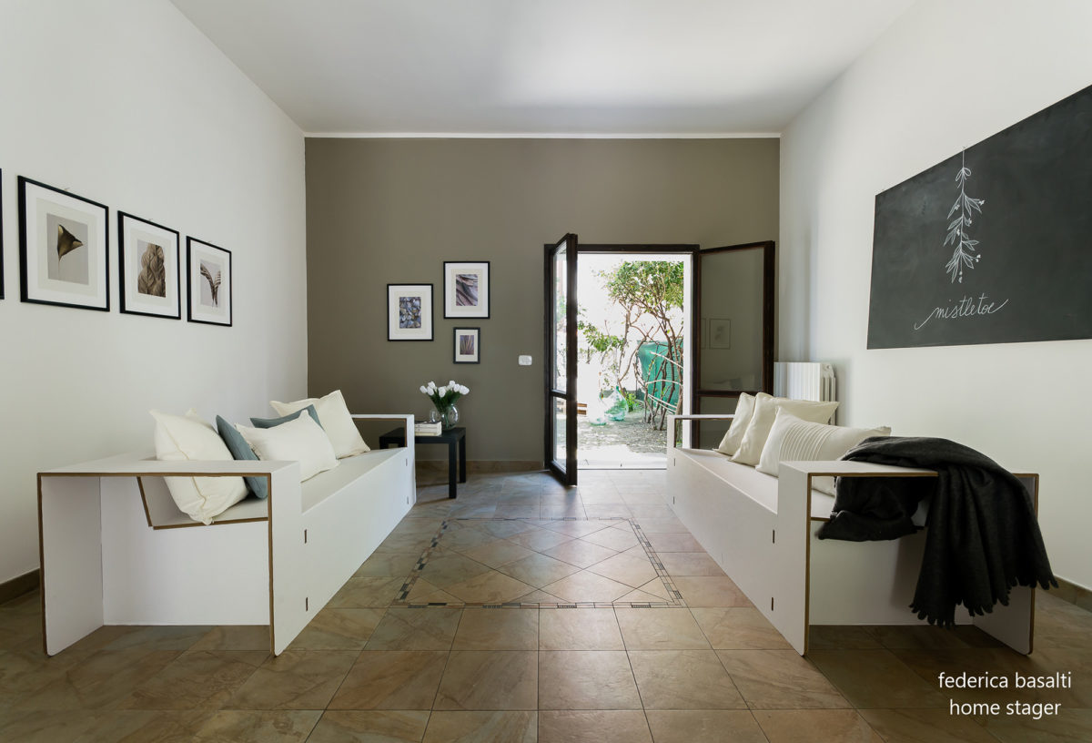 Foto 2 laterale salotto - Home Staging Bologna