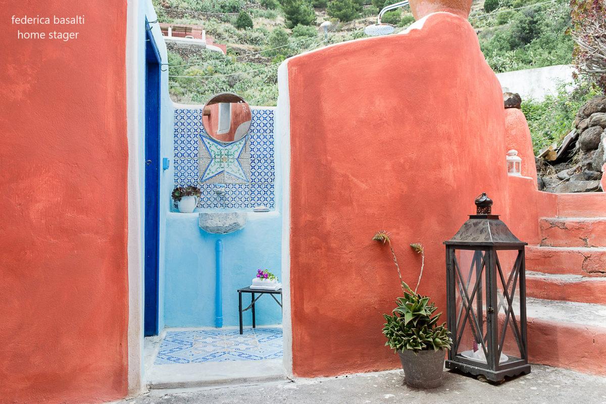 Lavandino esterno casa vacanze - Alicudi - Home Staging