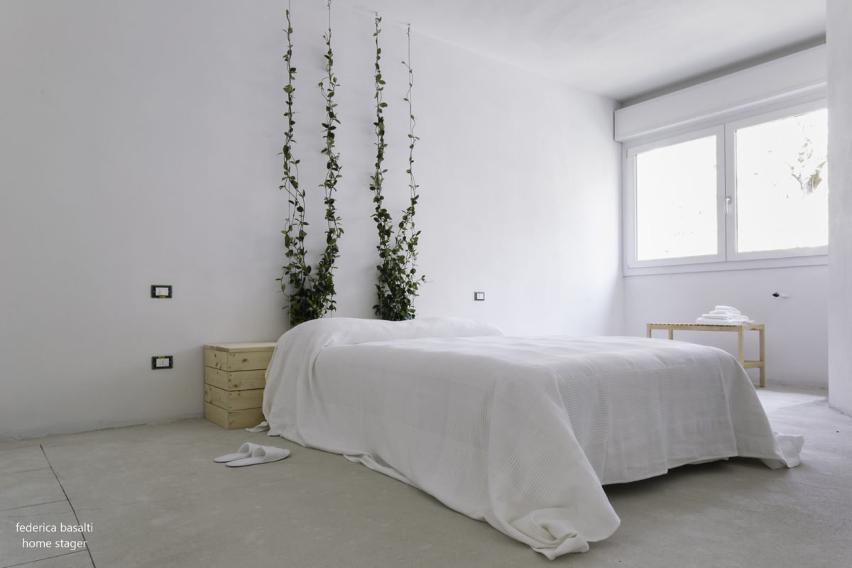 Foto Laterale Camera da letto matrimoniale dopo homestaging